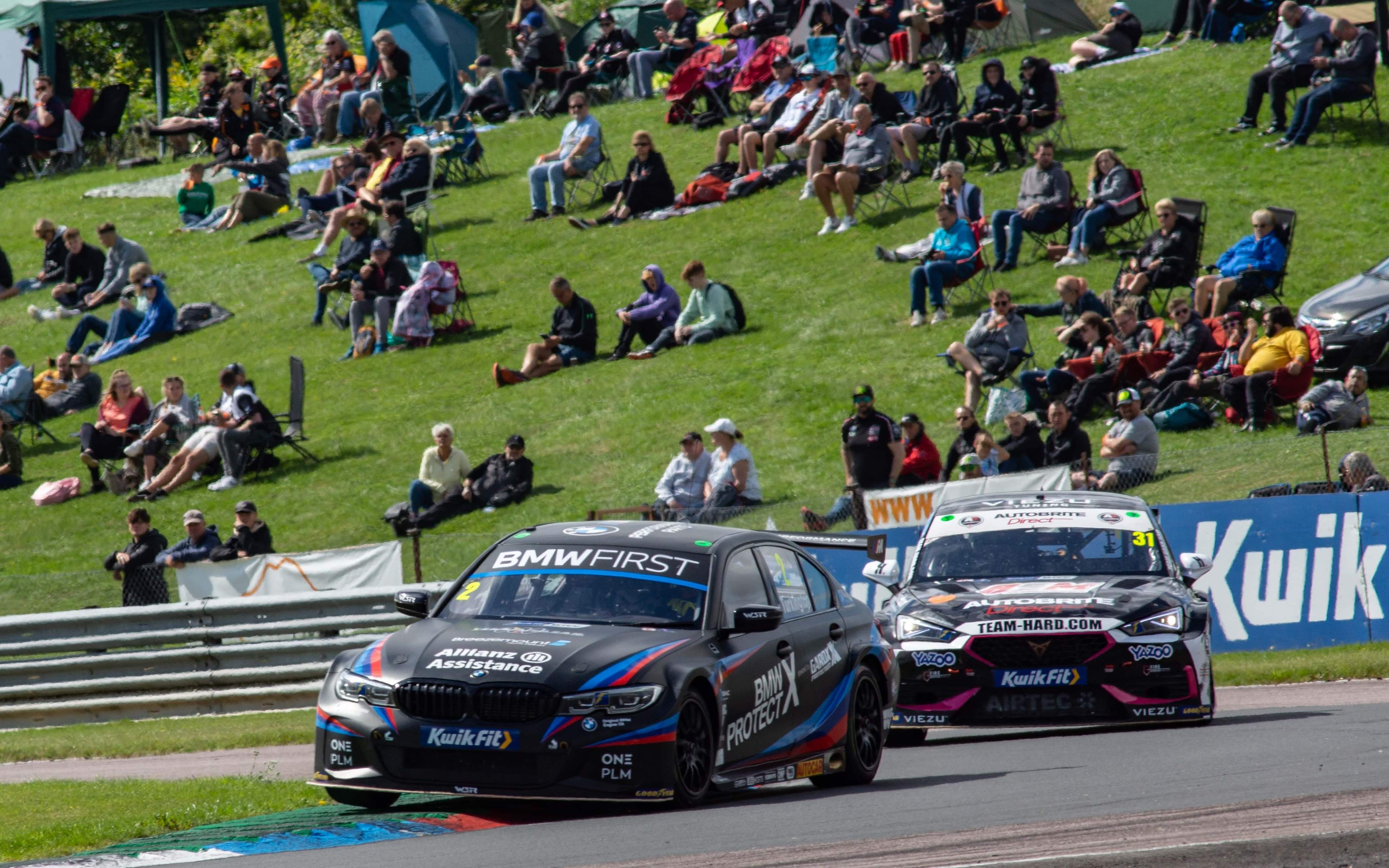 TIGHT AT THE TOP IN THRUXTON QUALIFYING